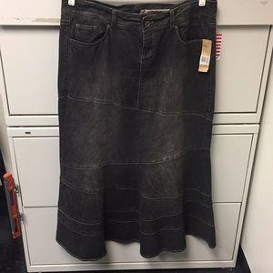 Black denim DKNY JEAN skirt.